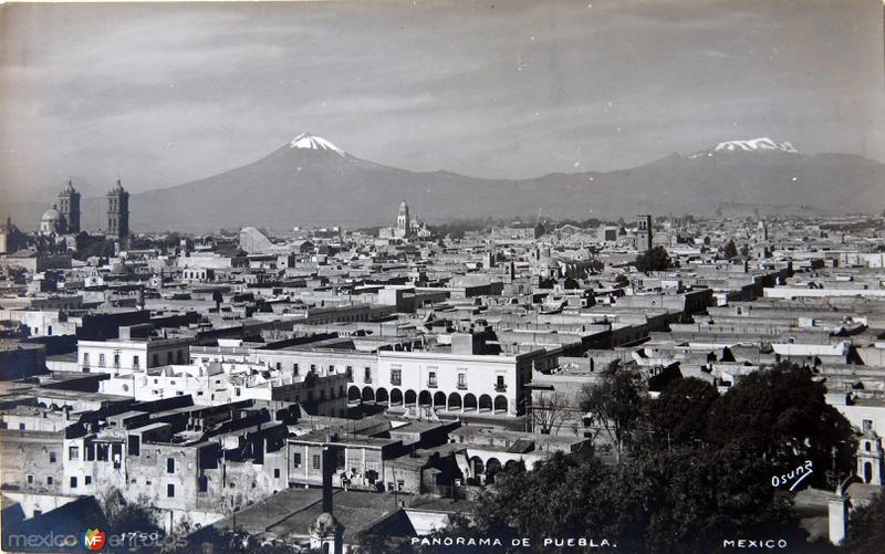 Bello Panorama con los Volcanes al fondo Hacia 1945