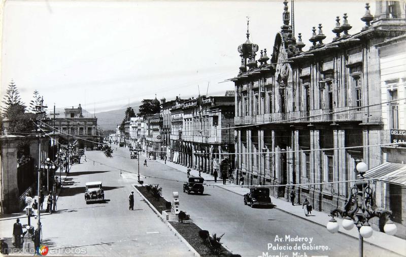 Avenida Madero Hacia 1939