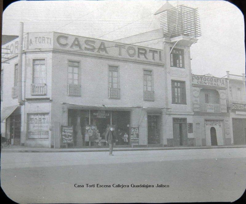 Casa Torti Escena Callejera Guadalajara Jalisco hacia 1900