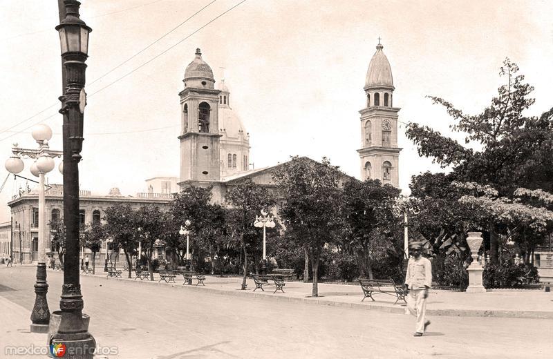 Tampico, Plaza de Armas