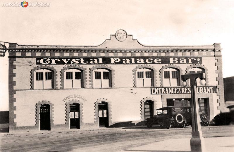 Reynosa, Crystal Palace Bar