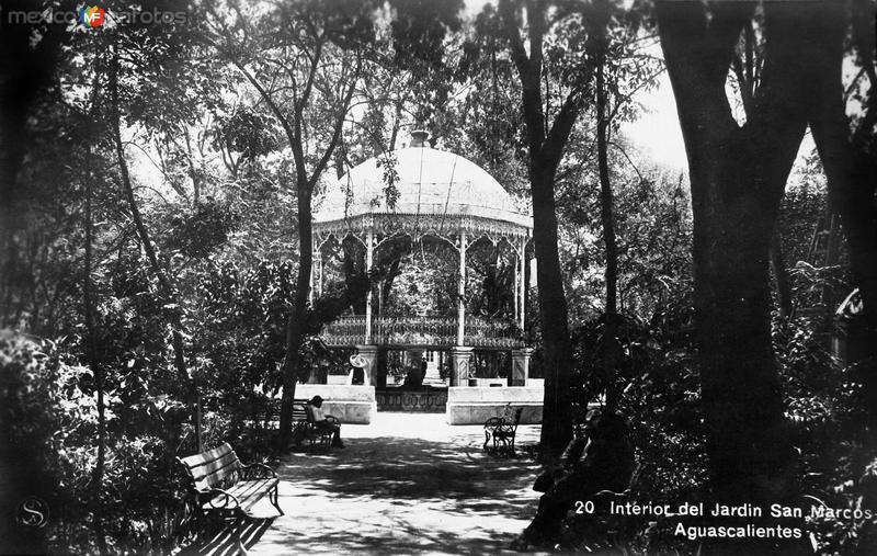 Interior del Jardin de San Marcos Hacia 1930