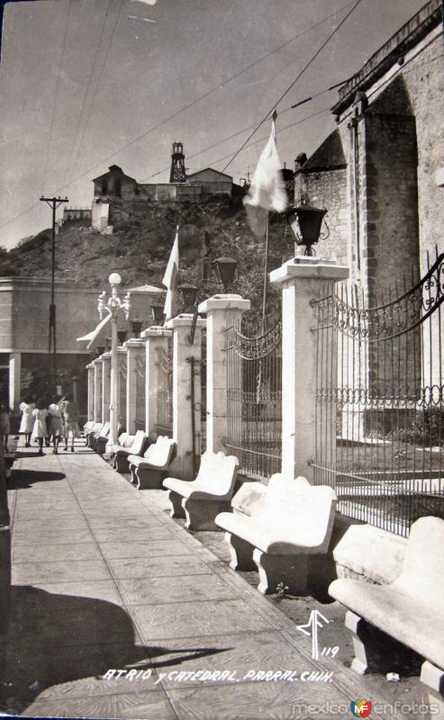 Atrio y catedral