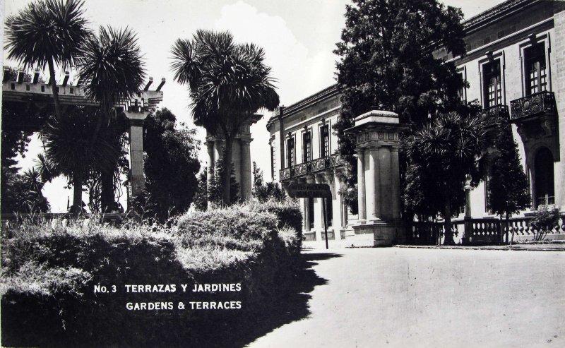 Terrazas y Jardines en el Castillo de Chapultepec 1945