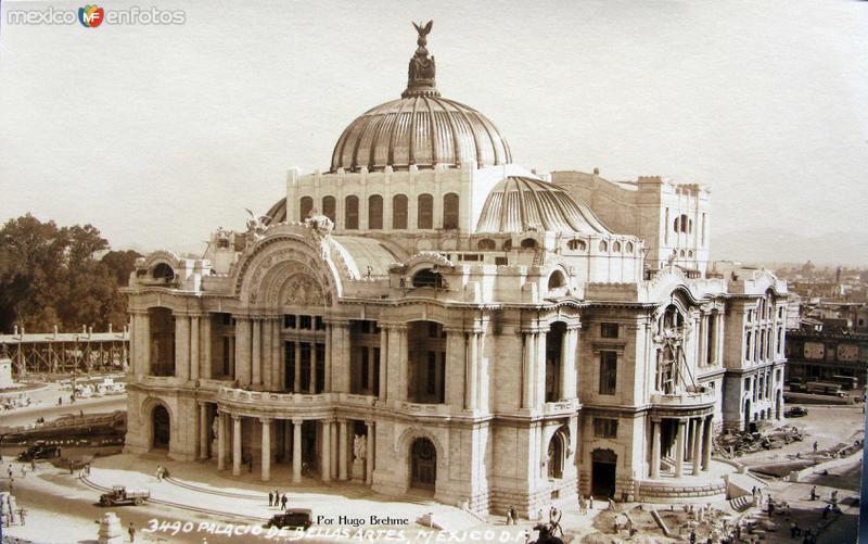 Palacio de Bellas Artes en construccion por HUGO BREHME Hacia 1930