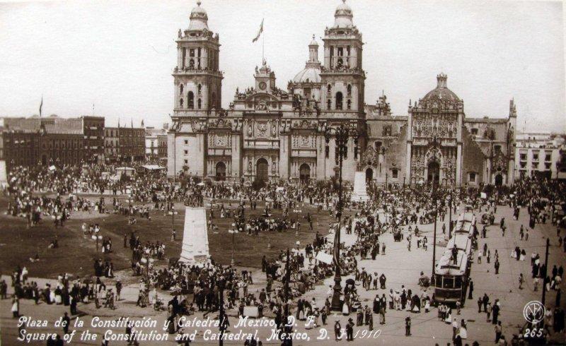 Plaza de la Constitucion Hacia 1930