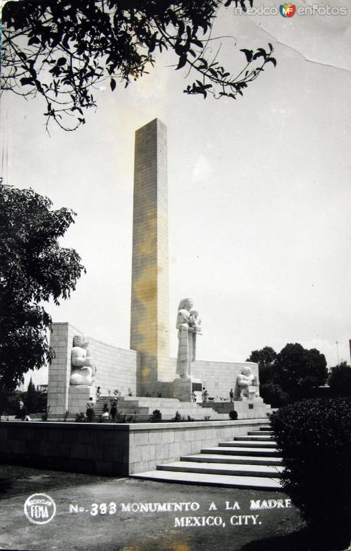 Monumento a la madre Hacia 1945