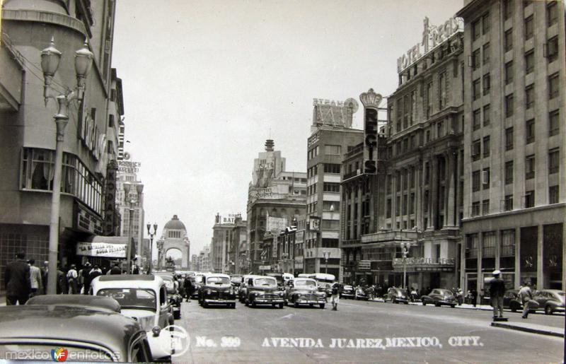 Avenida Juarez Hacia 1945