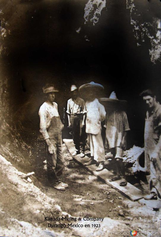 Mineros de la Compania Minera Kanada