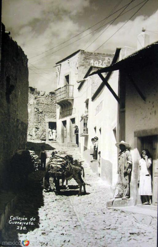 Callejones tipicos Hacia 1944