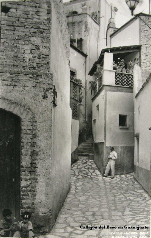 Callejones tipicos De el Beso Hacia 1945