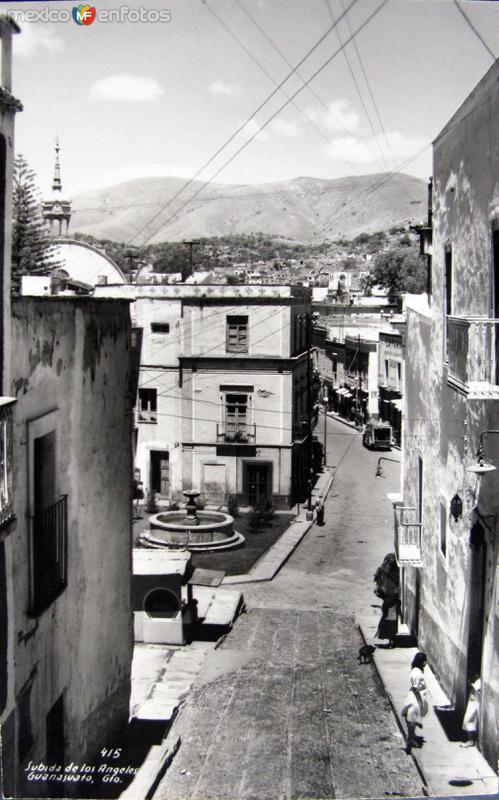 Callejones tipicos DE LOS ANGELES Hacia 1945