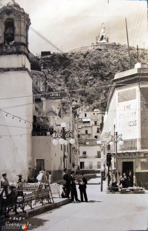 Monumento a el Pipila Hacia 1945