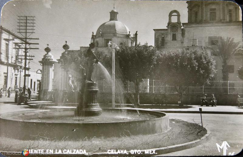 Fuente en la Calzada Hacia 1945