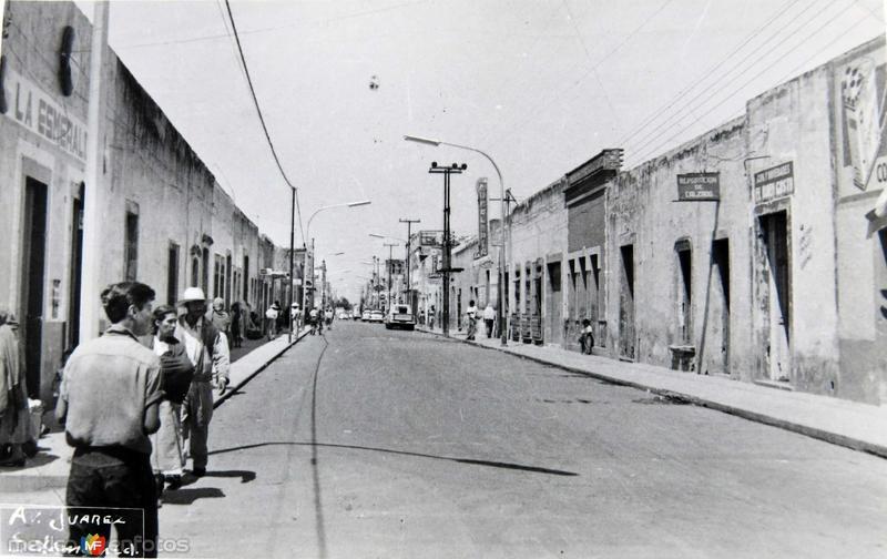 AVENIDA JUAREZ Hacia 1950