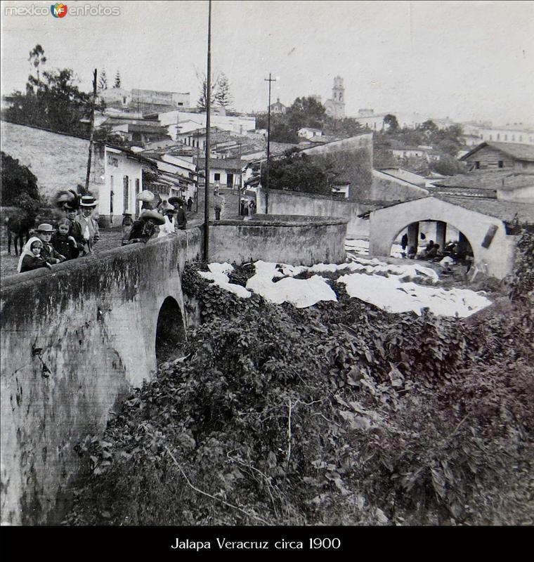 Lavanderia publica y el puente