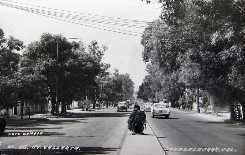 AVENIDA VALLARTA Hacia 1945