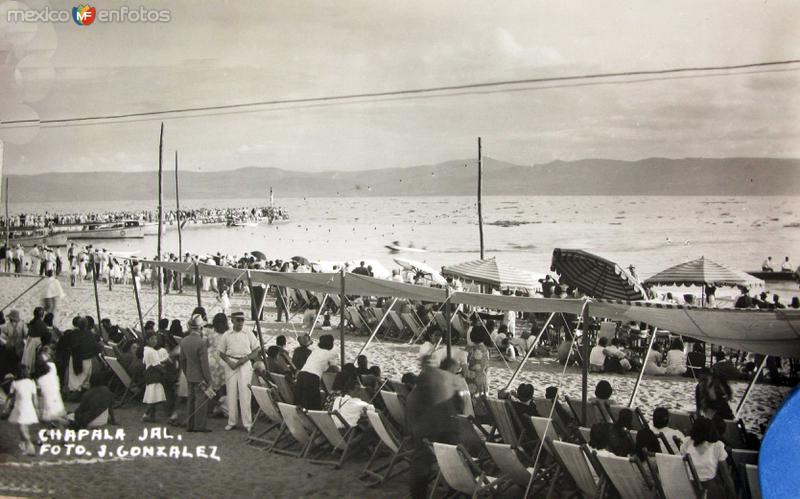FESTIVAL EN EL LAGO Hacia 1940