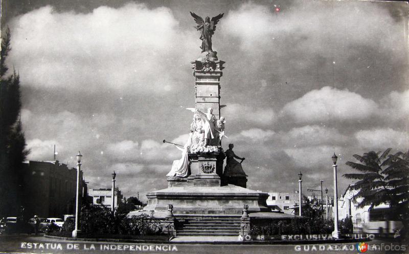 ESTATUA DE LA INDEPENDENCIA Hacia 1945