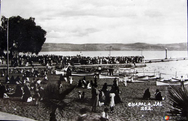PANORAMA DIA DE FIESTA Hacia 1945