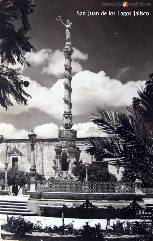 COLUMNA Hacia 1945