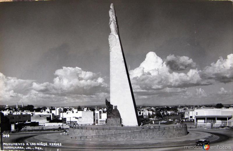 MTO A LOS NIÑOS HEROES Hacia 1945