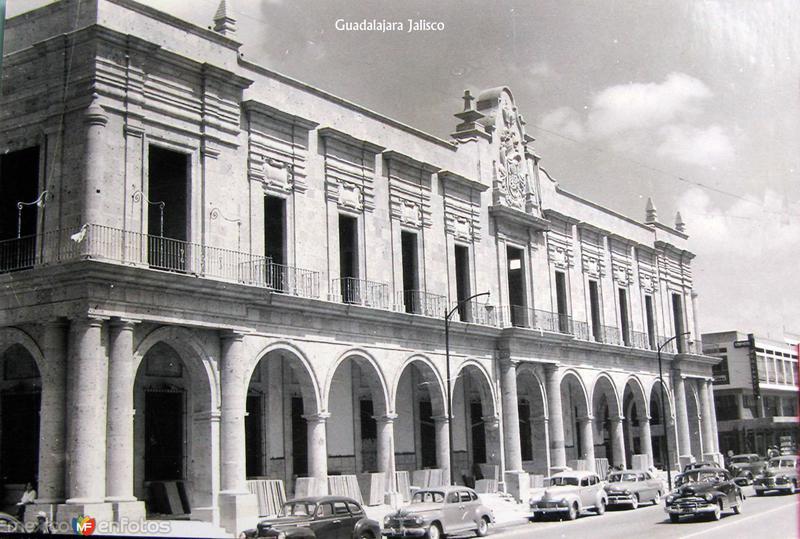 EDIFIO MUNICIPAL Hacia 1945