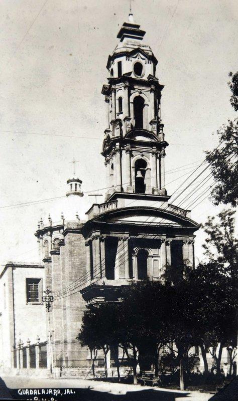 UNA IGLESIA Hacia 1940