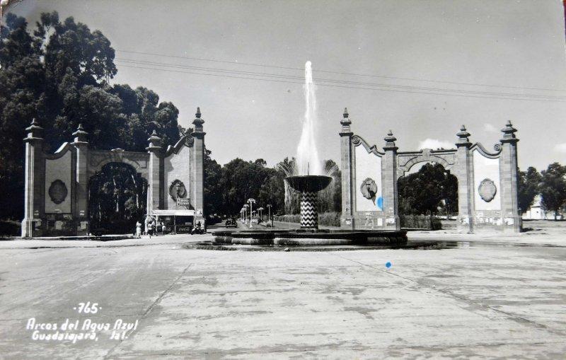 ARCOS DE AGUA AZUL Hacia 1940