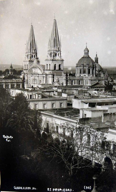 LA CATEDRAL. Hacia 1940