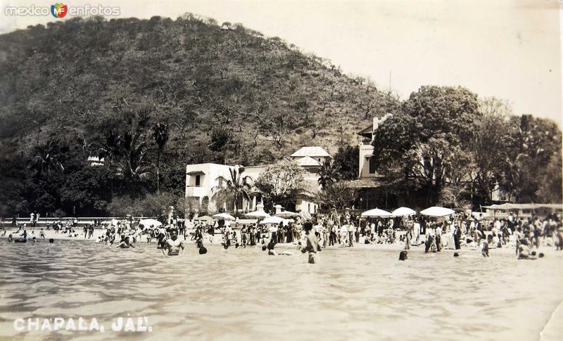 EN LA PLAYITA Hacia 1945