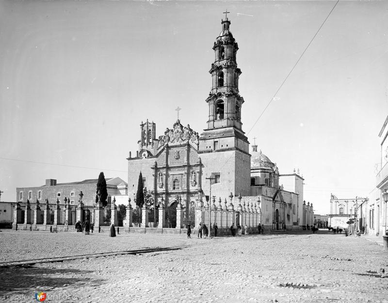 Catedral (por William Henry Jackson, c. 1888)