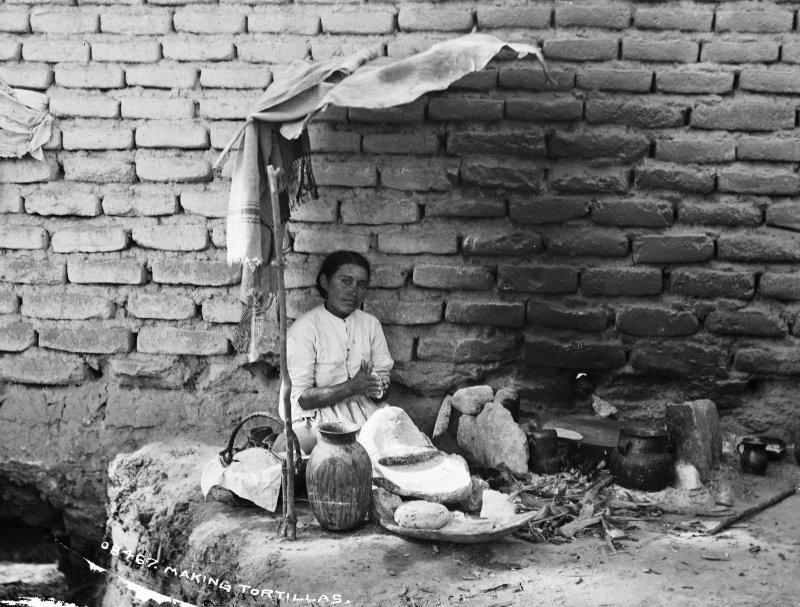 Tortillera (por William Henry Jackson, c. 1888)
