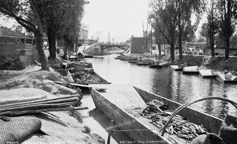 Canal de la Viga (por William Henry Jackson, c. 1888)