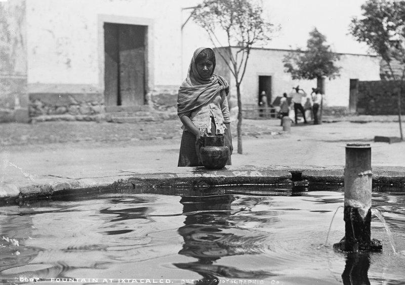 Fuente en Ixtacalco (por William Henry Jackson, c. 1888)