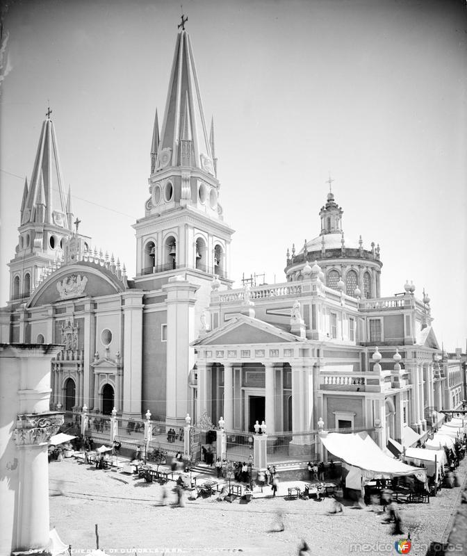 Catedral de Guadalajara (por William Henry Jackson, c. 1887)