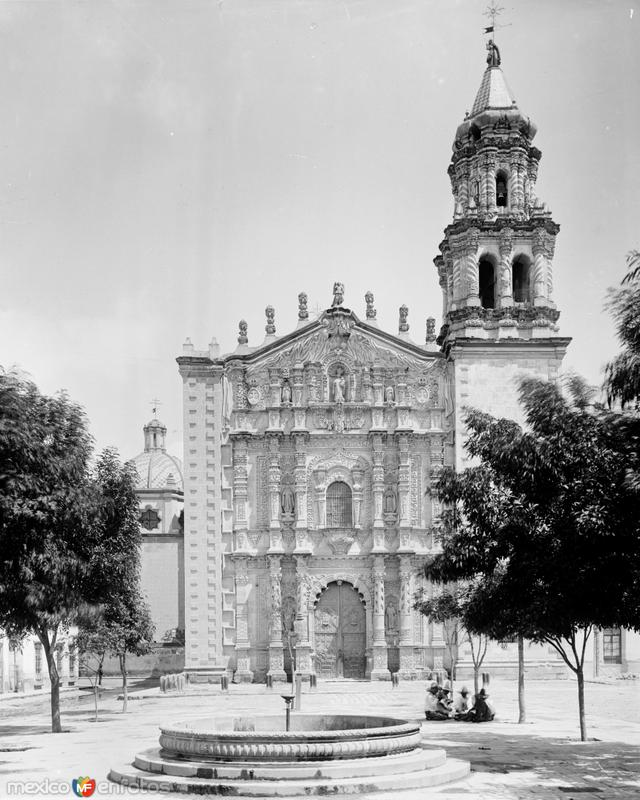 Iglesia del Carmen (por William Henry Jackson, c. 1888)