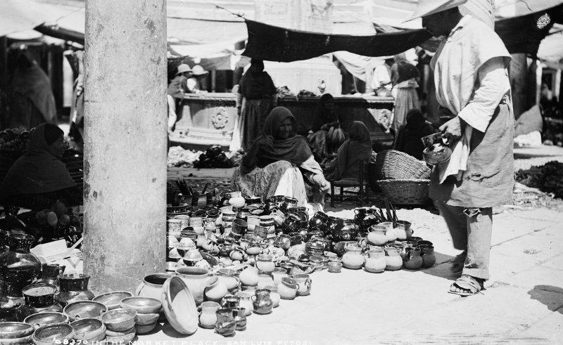 Mercado en San Luis Potosí (por William Henry Jackson, c. 1888)
