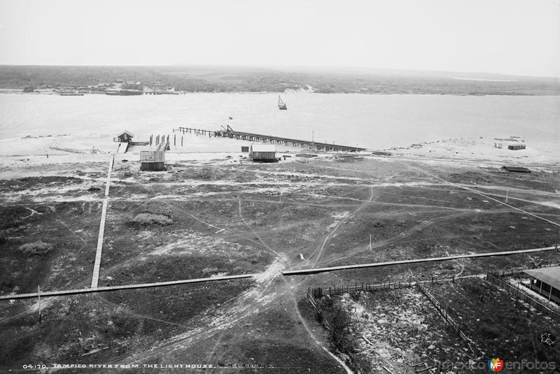 El Río Pánuco desde el Faro II (por William Henry Jackson, c. 1888)