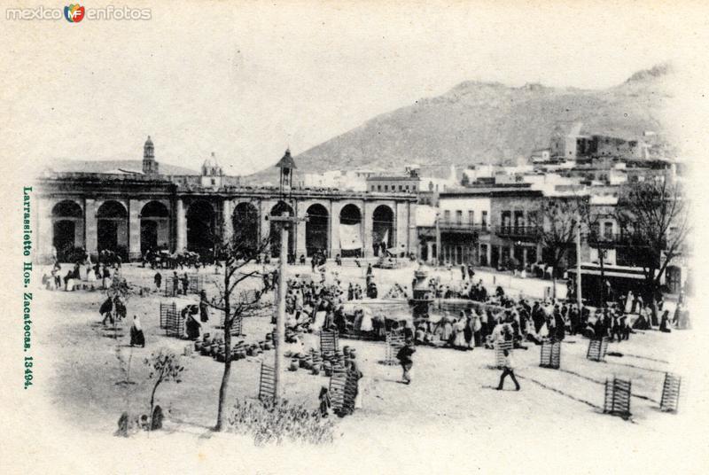 Plaza y fuente