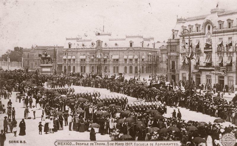 Desfile de Tropa Militar, el 5 de mayo de 1907