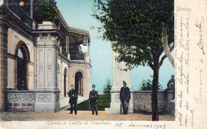 Entrada al Castillo de Chapultepec