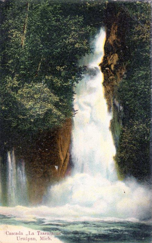 Cascada La Tzararacua