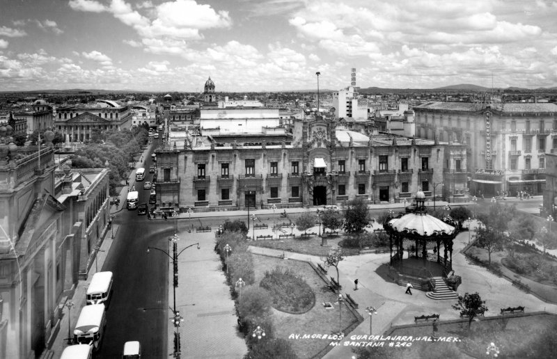 Plaza Armas y Palacio de Gobierno