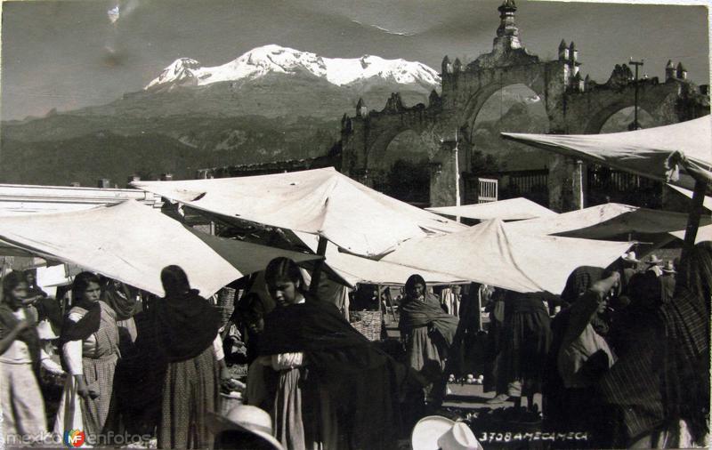 Mercado por el fotografo HUGO BREHME hacia 1930