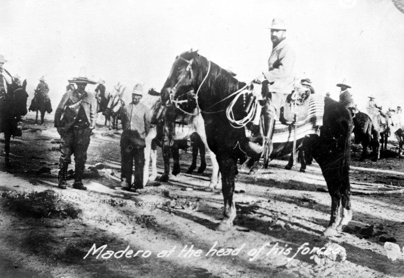 Francisco I. Madero al frente de sus tropas (Bain News Service, 1911)