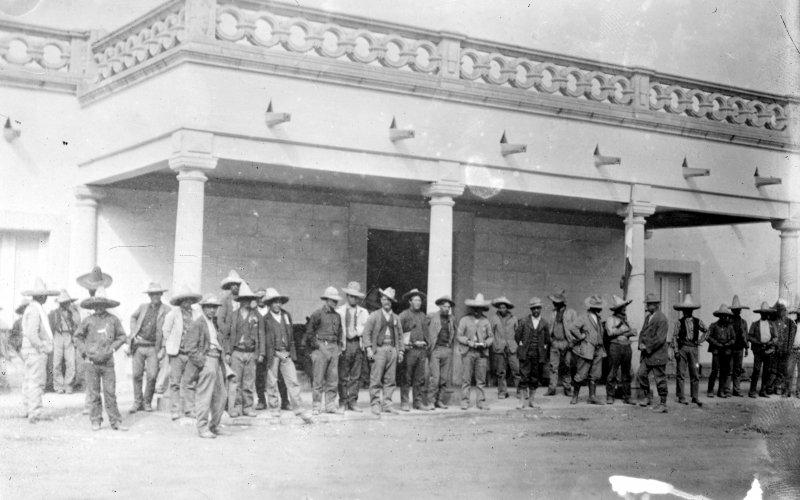 Francisco I. Madero en la Hacienda de Bustillo, Chihuahua (Bain News Service, 1911)