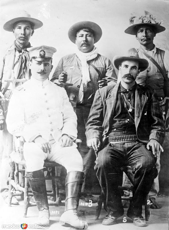 Gral. Alvaro Obregón y revolucionarios Yaquis (Bain News Service, c. 1914)