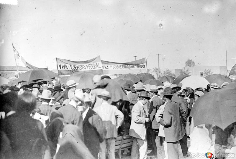 Manifestación oficialista en Torreón (Bain News Service, 1914)