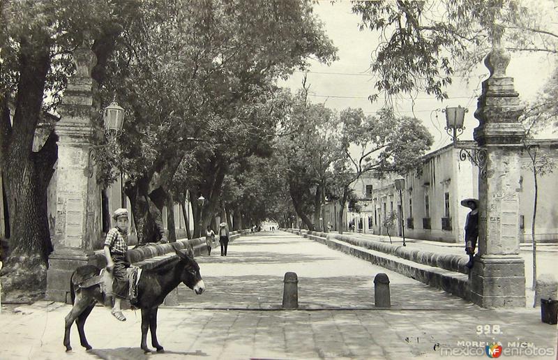 LA CALZADA Hacia 1945